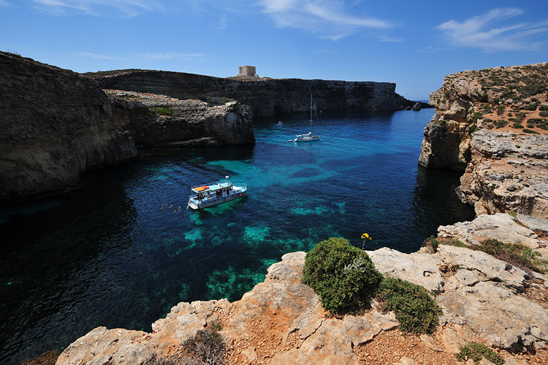 The smaller sister Island Comino is a paradise for snorkelers, divers, windsurfers and ramblers © Ted Attard